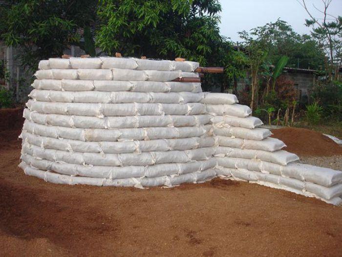 Cómo Construir Un Domo Con Sacos De Tierra Construir Una Casa Como Construir Una Casa Casas De Tierra