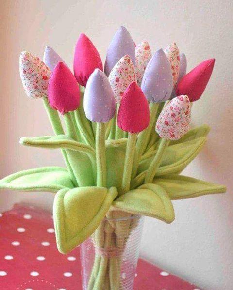 Flores artesanais super lindas#revistaartesanato #artesanato #arte #craft #handcraft #flowers #tecido #costura #decor #happy
