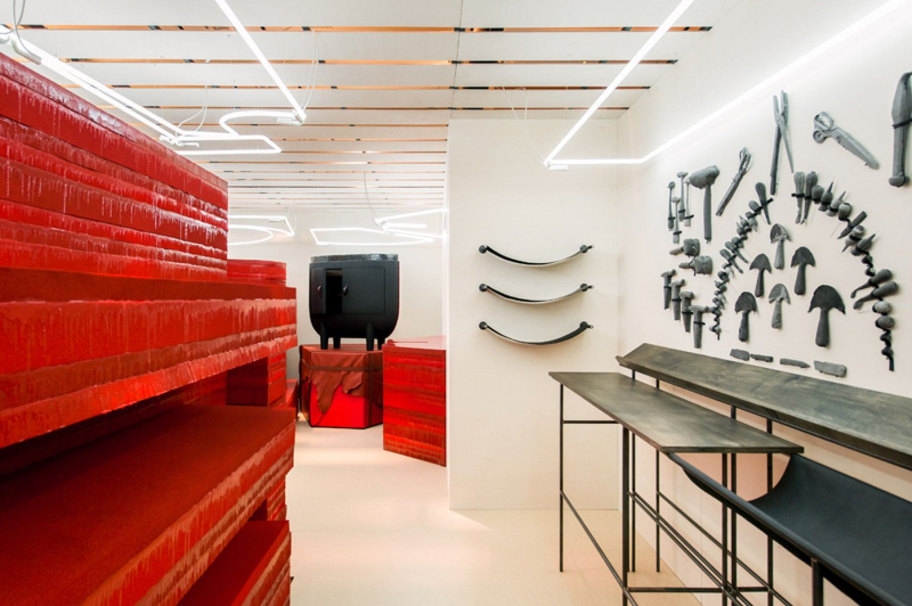 Faye Toogood Online Shop Buy Furniture At Pamono Interior Interior Design Retail Design