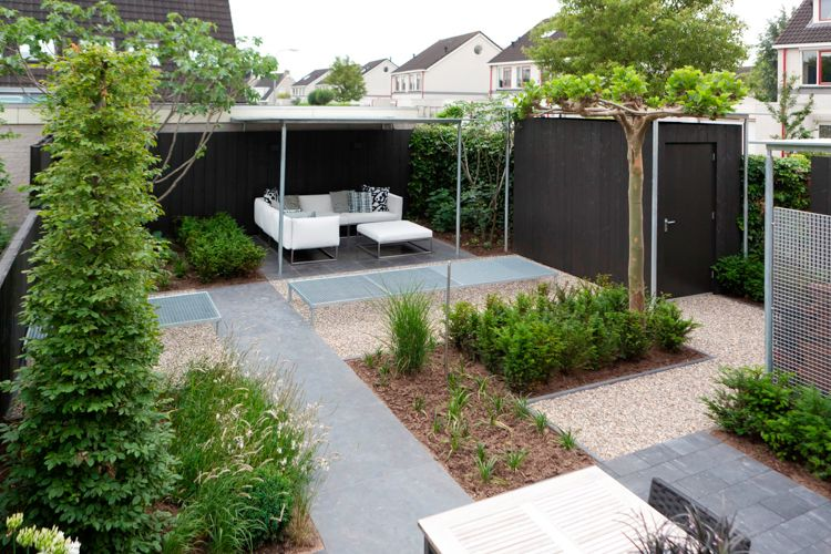 Welp Richt een vierkante tuin zo mooi mogelijk in met deze 6 tips in EO-96