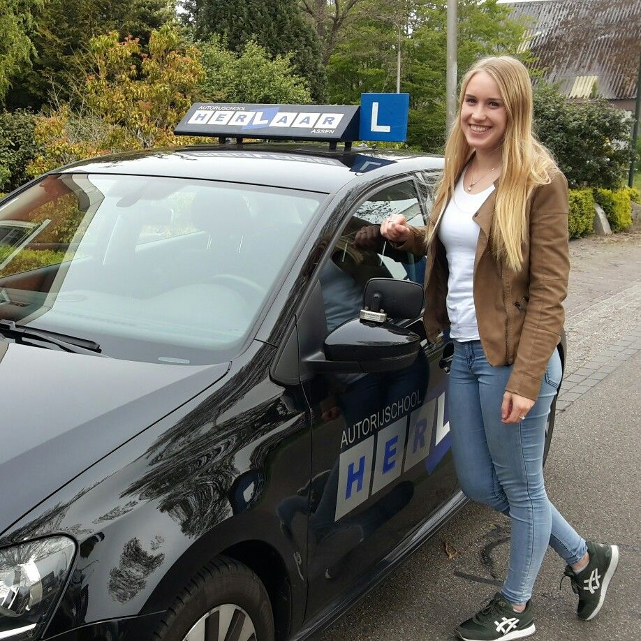 Maryelle is ook in 1x geslaagd voor haar #rijbewijs bij #Autorijschool Herlaar #Assen www.rijlesassen.nl #rijles #rijschool #Smilde