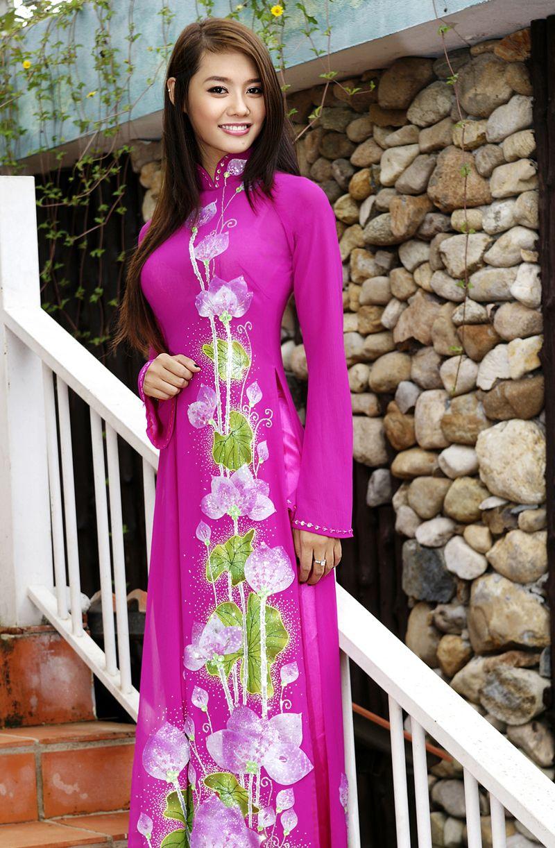 Pin de Thu-Hue Nguyen en Vietnamese Ao Dai (Long Dress)   Pinterest