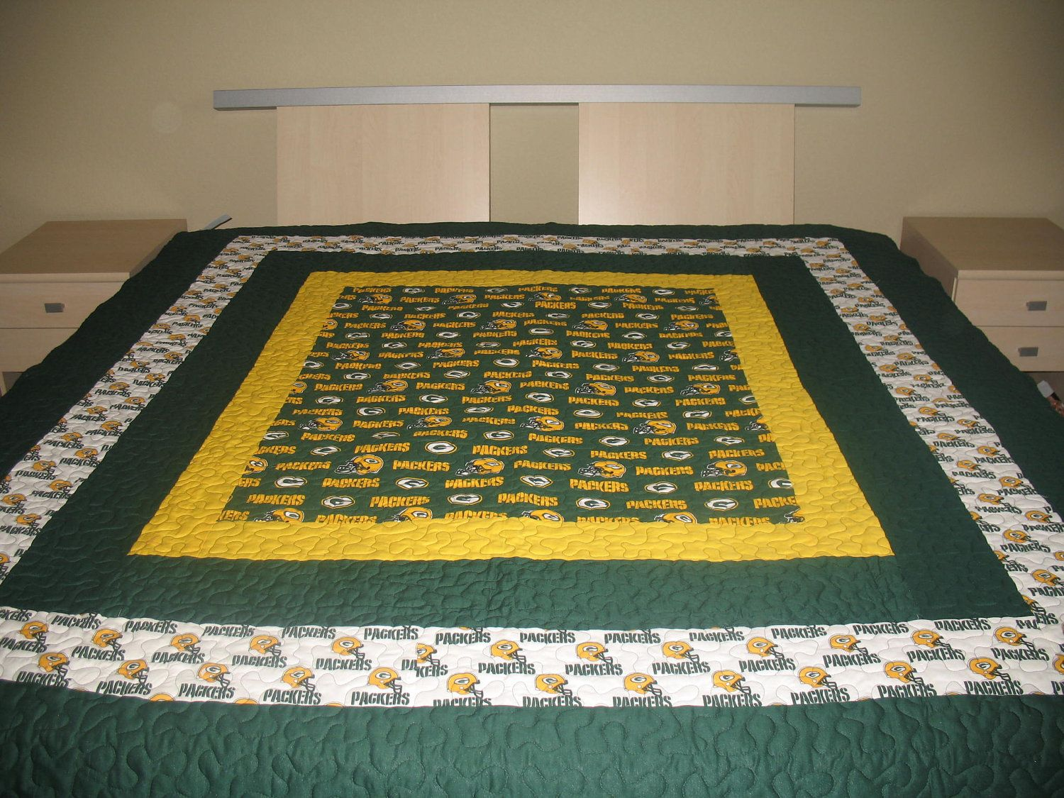 Green Bay Packers Quilt Google Image Result For Http Img0 Etsystatic Com 000 0 6601554 Il Fullxfull 296930116 Jpg Football Quilt Sports Quilts Bear Quilts