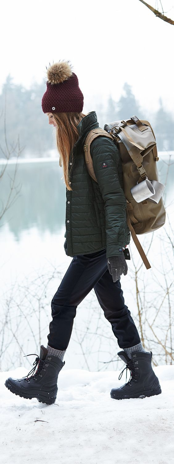 Winter hiking Women's Hiking Clothing - http://amzn.to/2hJYguZ   Hiking  outfit, Camping outfits, Outdoor outfit