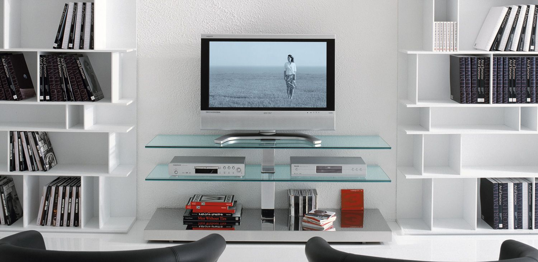 Mueble para tv de pantalla plana con ruedas y pasacables for Muebles para tv con ruedas