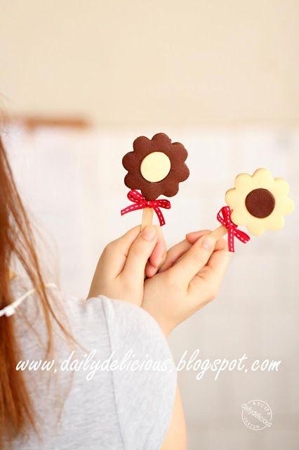 Jam Sand Cookie Pops: Love, love, love, my lovely pop!