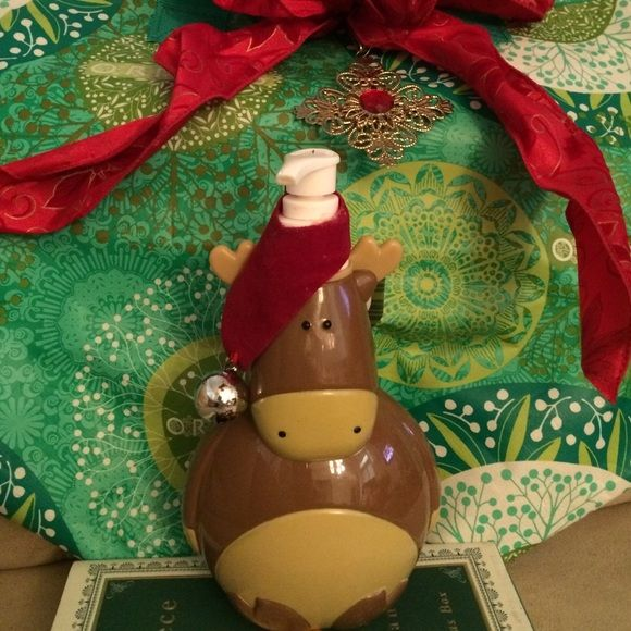 SALE Adorable Reindeer w/ bell Hand SoapNWT SALE PRICEAdorable Reindeer OR Penguin w/ bell Warm Toffee Hand SoapNWT Sweet Gift Large 14 OZ. Smells Amazing!️️ (10)  Accessories