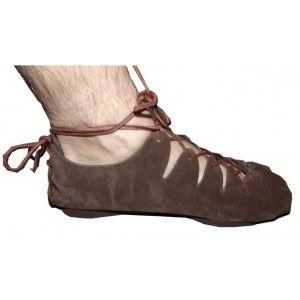 Chaussures haut moyen age Monde Médiéval | marcus en 2019