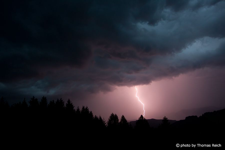 Thunderstorm | Thunderstorm, lightning Photo