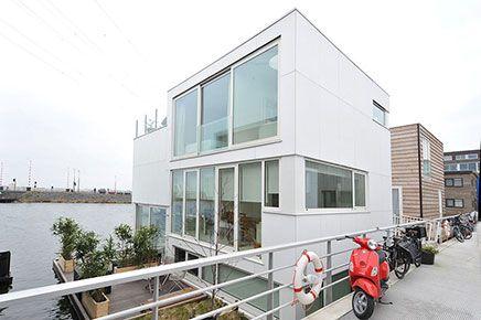 Moderne watervilla te koop IJburg | Curb appeal