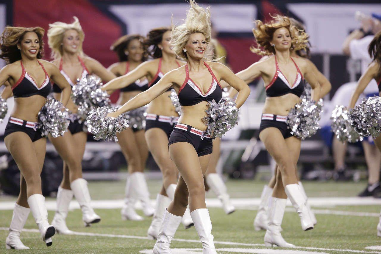 Atlanta Falcon Cheerleaders 2013 Roaster Nfl Wallpaper Hd Atlanta Falcons Cheerleaders Falcons Cheerleaders Nfl Cheerleaders