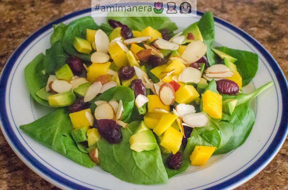 Ensalada De Espinacas Con Mango Y Aguacate Food Cobb Salad Salad