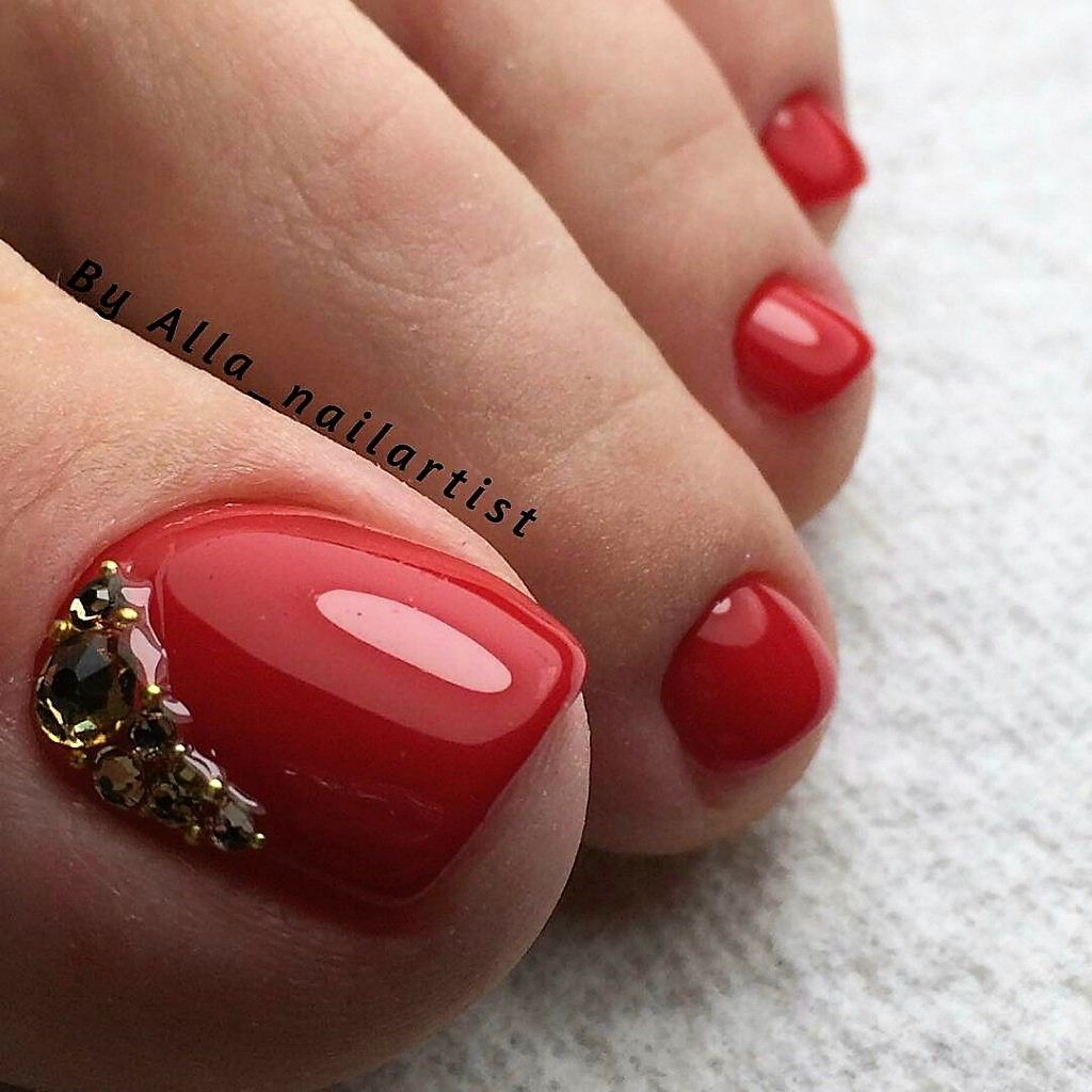 Red Gold Rhinestone Toenailart Toe Nail Designs Pedicure Designs Toenails Toe Nails