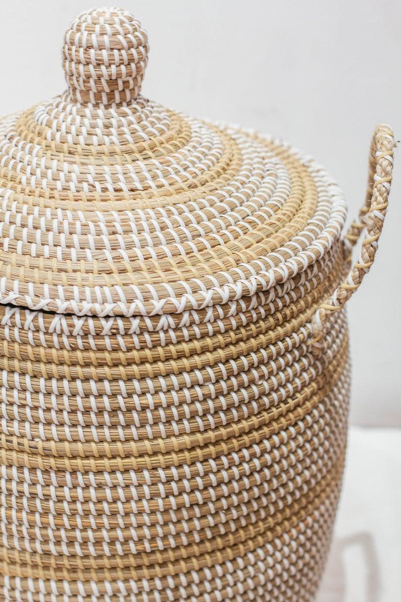 Seagrass Basket With Lid Handle Natural Weave Basket Handicraft Vietnam Storage Basket Woven Basket Decor Storage Basket Holder Container In 2020 Woven Baskets Storage Storage Baskets With Lids Storage Baskets