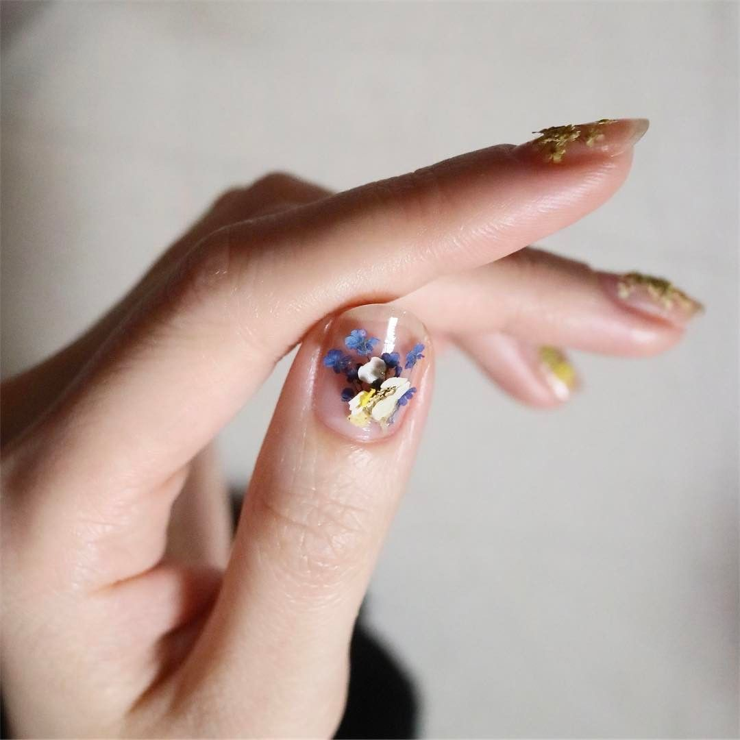 Dry Flower Nails Are the Prettiest Korean Nail Trend Right Now ...