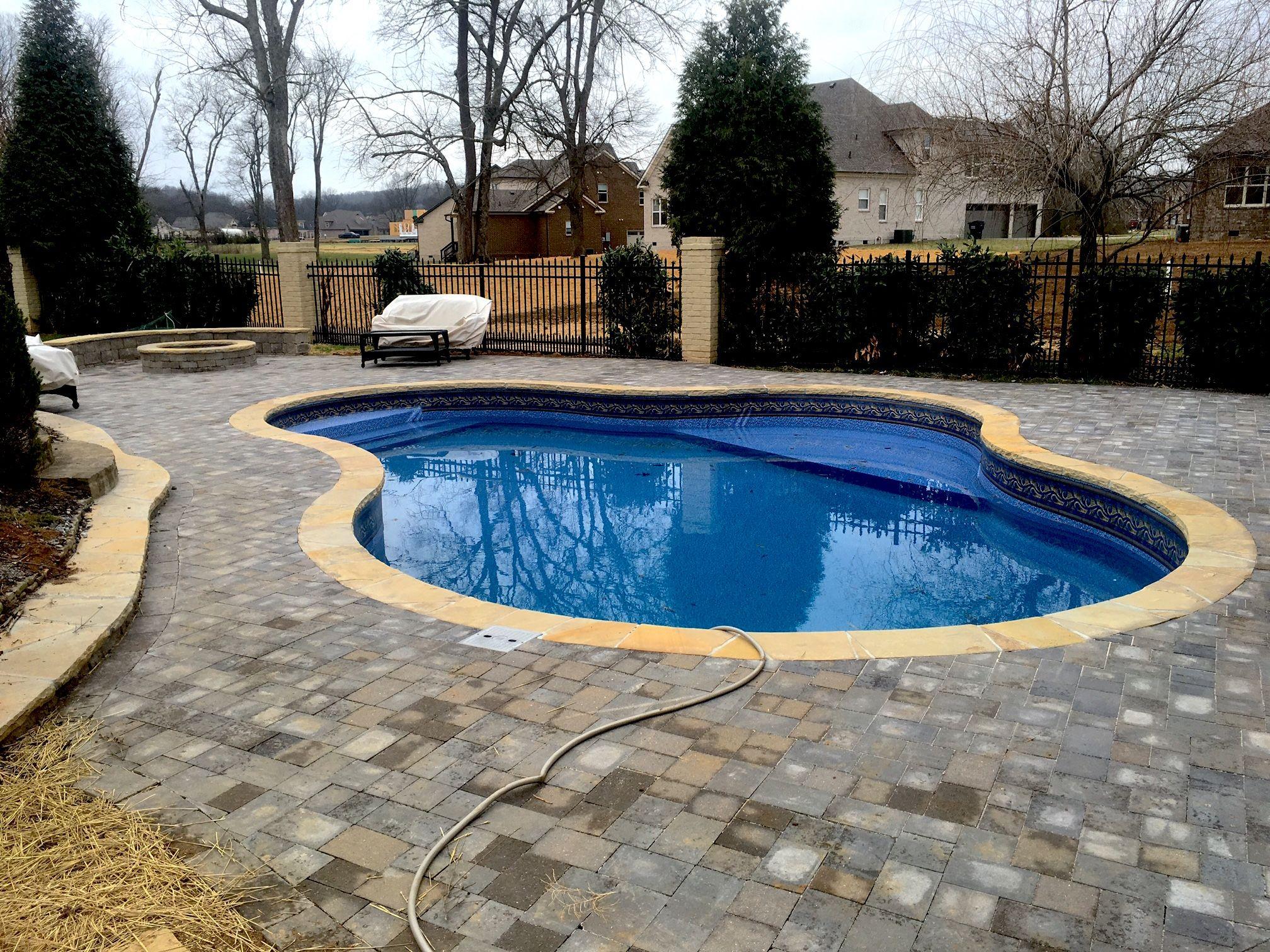 Pool And Spa Depot 20 X 30 Concrete Wall Pool Celaya Shape Princeton Gemstone Liner Pattern Beige Flagstone Coping Paver Decki Spa Pool Pool Concrete Wall