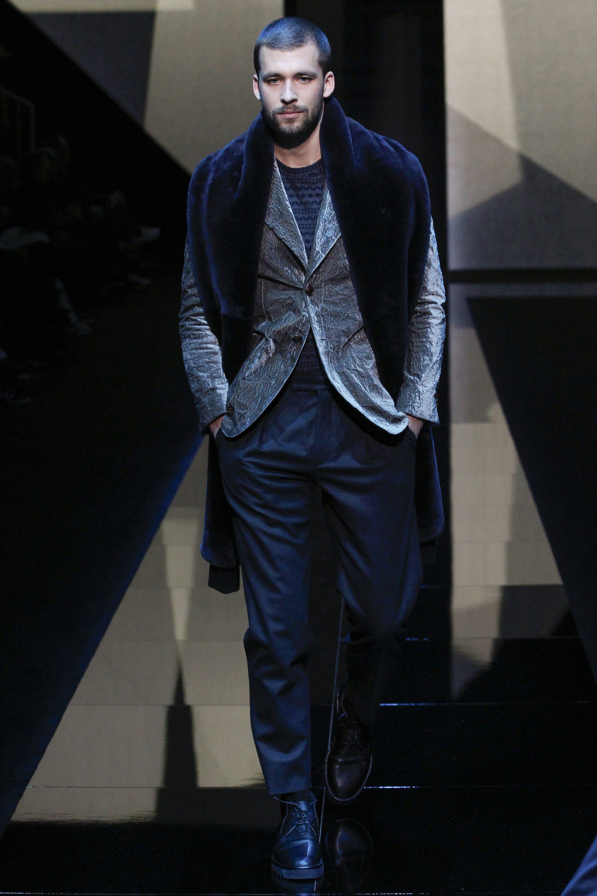 Giorgio Armani Fall 2017 Menswear Collection Photos - Vogue badc682a8dcc