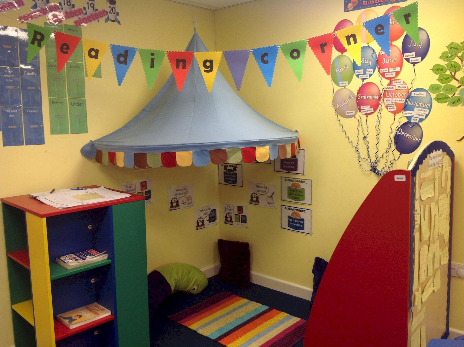Awesome Reading Corners For Kids is part of Reading corner classroom, Classroom decor, Reading corner, Classroom decorations, Toddler classroom, Classroom - Making a cozy reading space for kids very important to enjoy and creates a magical ­experience for everyone
