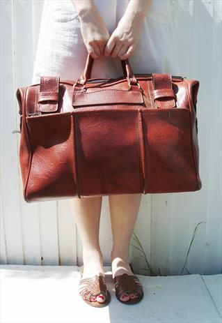1970s mahogany brown holdall  £25
