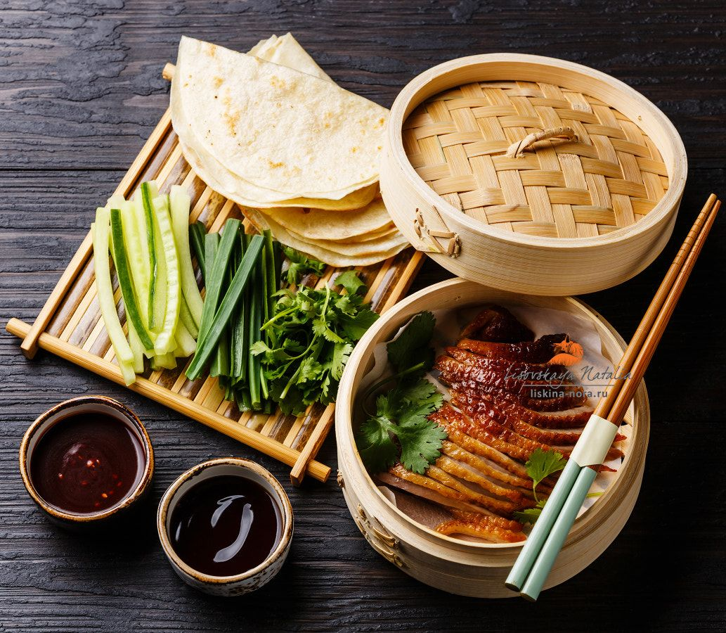 Best Chinese Duck Recipes: Peking Duck In Bamboo Steamer Served With Fresh Cucumber