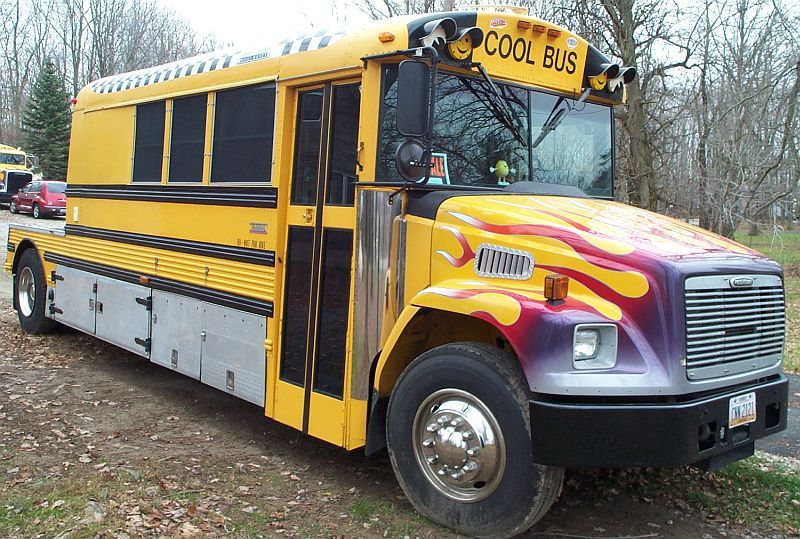 Toterhome Bus Cars Trucks And Other Big Boy Stuff Pinterest