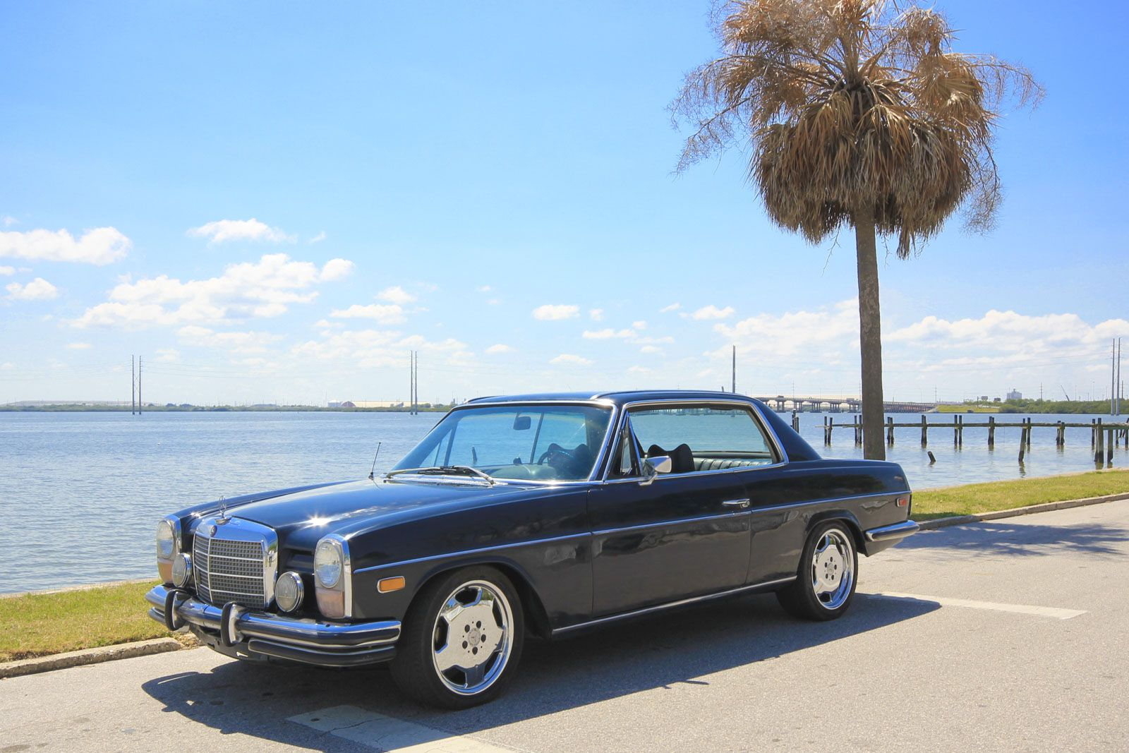 1972 Mercedes Benz 250c on staggered 17-inch monoblocks in beautiful Tampa, Florida. #DriveTastefully W114 in paradise