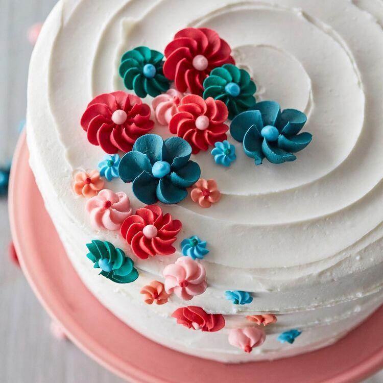 Ultimate Cake Decorating Tools Set In 2020 Cake Decorating Cake Decorating Kits Buttercream Decorating