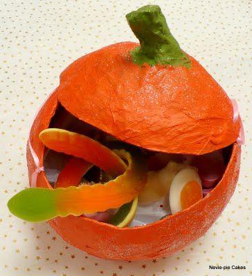 DIY Paper mache pumpkin treat holder Celebrate - Halloween