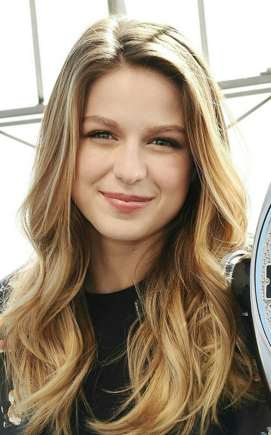 Love That Look She Is Just Way Too Cute Melissa Benoist Hot Melissa Benoist Melissa Supergirl