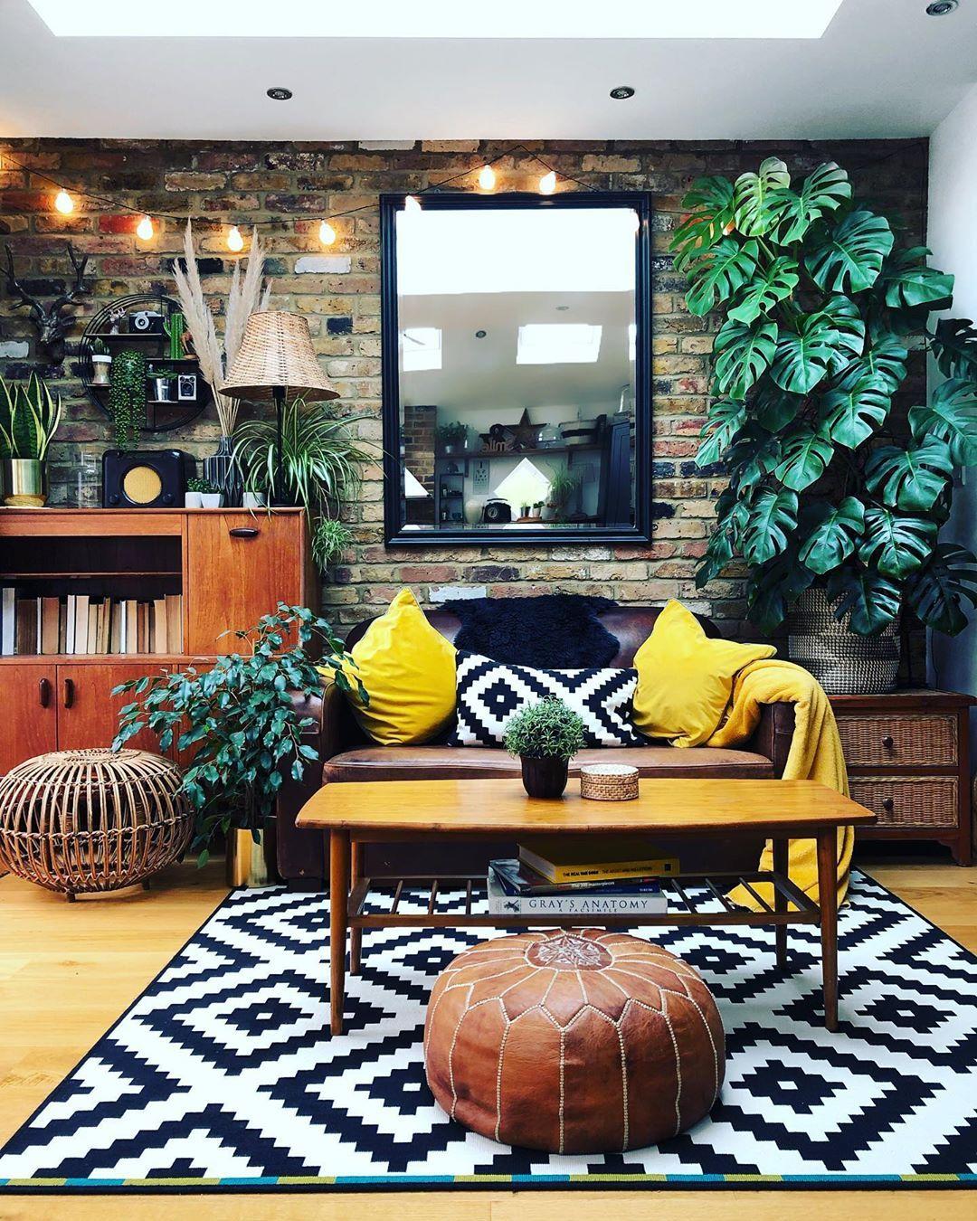 Mustard Meets Monochrome Bungalow 50 Homedecor Colorfulhome Colorfuldecor Livingroom Monochrome Home Decor House Interior House Design Color pop living room