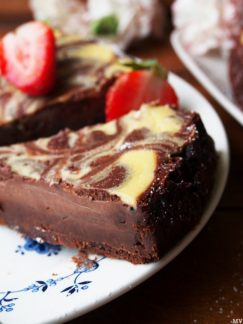Kaakao kermavaahdolla: ♥ Marmoroitu suklaa-juustokakku