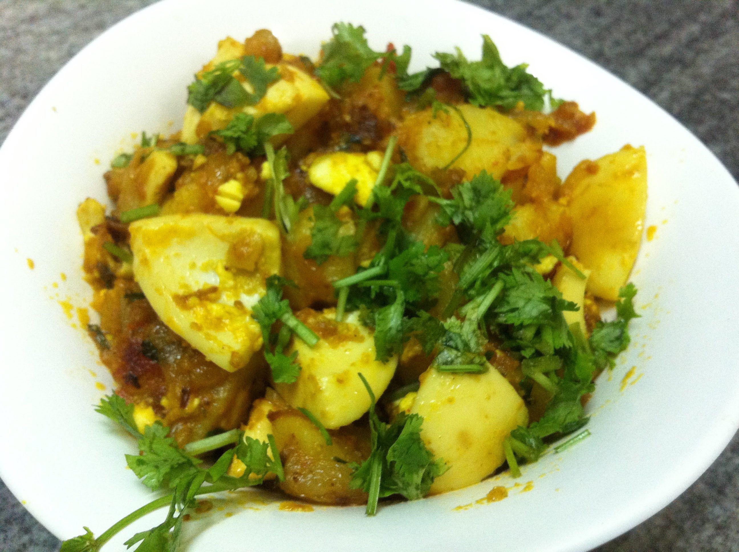 Aloo anday potatoes eggs recipe indian recipes pinterest aloo anday potatoes eggs sabzi in hindi with english subtitles forumfinder Choice Image