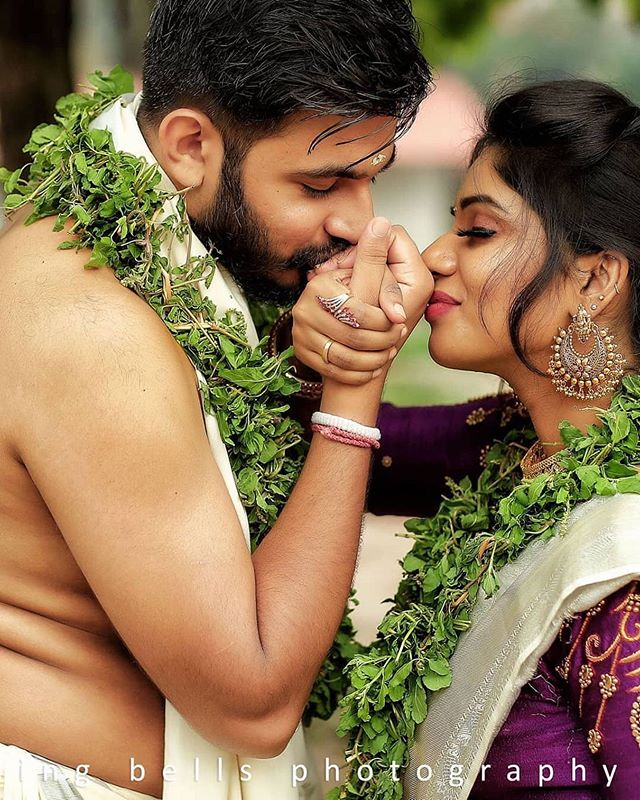 The Best Thing To Hold Onto In Life Is Each Other C W Indian Wedding Couple Photography Wedding Couple Poses Photography Indian Wedding Photography Couples