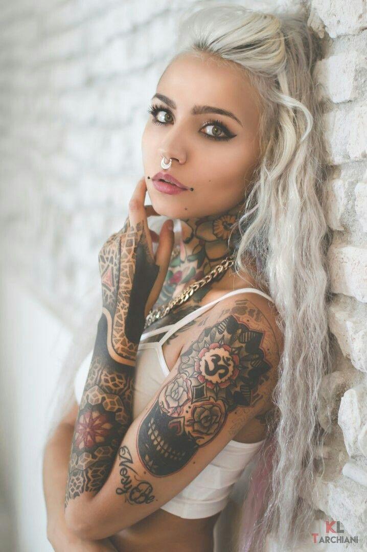 Sarah Oliver Nude Photos