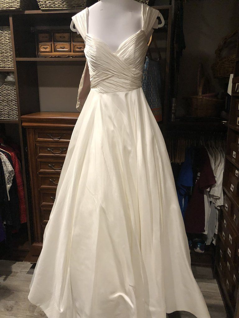 Anne Barge Berkeley Size 6 Used Wedding Dress Front View On Mannequin Cheap Dresses Ball Gown Skirt Dresses,Outdoor Wedding Mother Of The Bride Beach Wedding Dresses