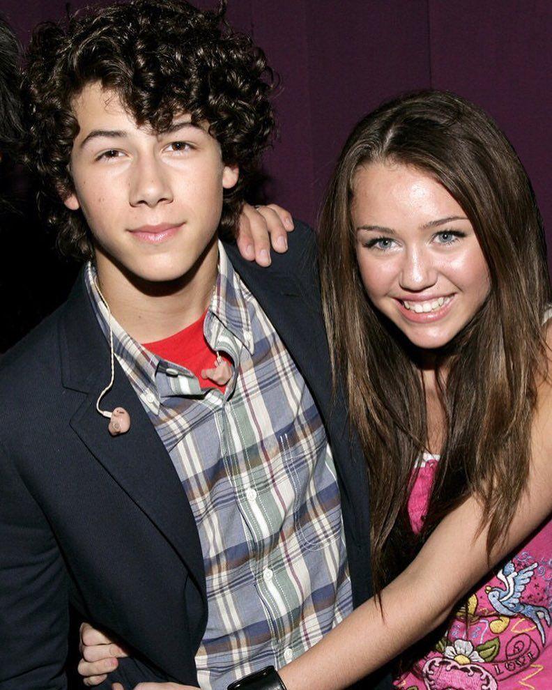 Nick Jonas' Girlfriend in 2017: Who is Nick Jonas Dating?