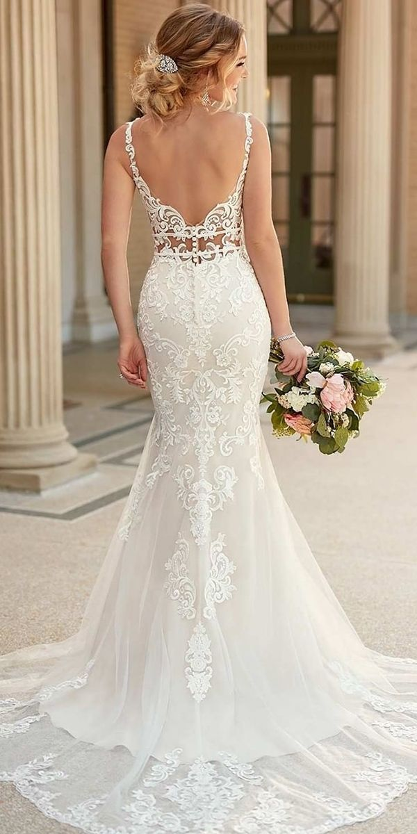 24 Trumpet Wedding Dresses That Are Fancy & Romantic