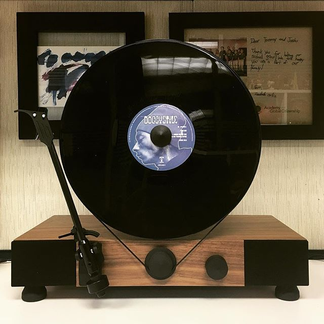 Gramovox Floating Record Floating Record Dj Room Vertical Record Player