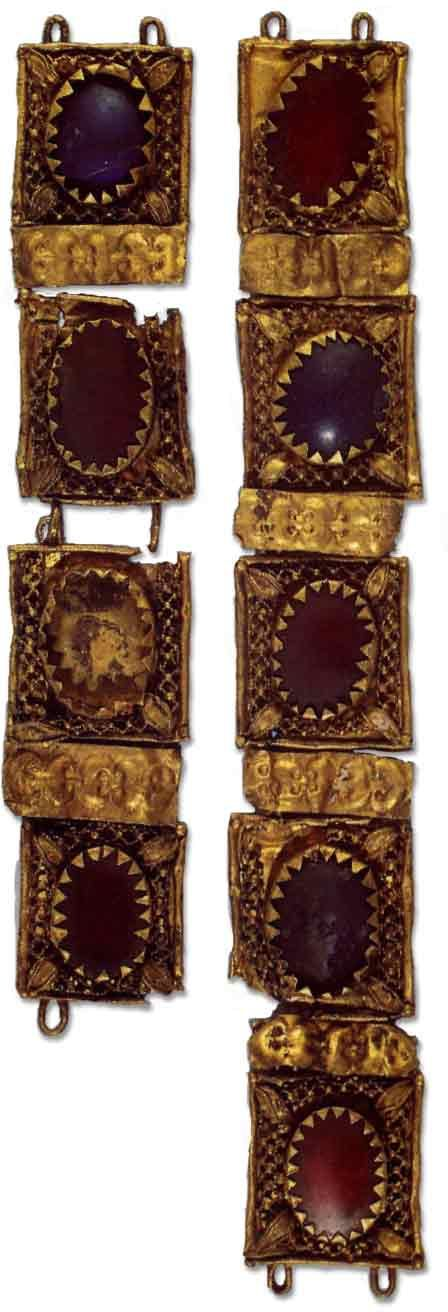 Etruscan gold necklet with another pervert name: The Treasure of Vortigern