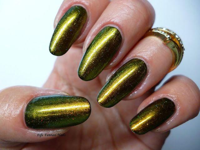 Fife Fantasi Nails : Golden Duochrome Nail Polish from Temix