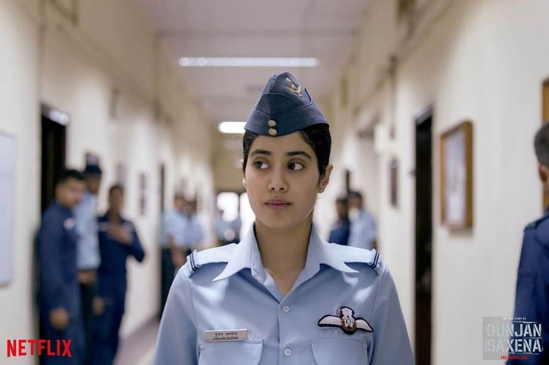 Gunjan Saxena Movie Review All About The Inspiring Story Of First Indian Female Air Force Pilot In 2020 Movies Netflix Biographical Film