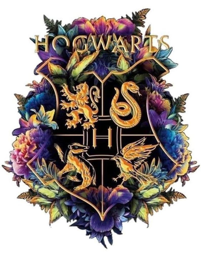 Harry Potter Hogwarts Crest Full Color Poster Zazzle Com In 2021 Harry Potter Poster Hogwarts Crest Harry Potter Logo