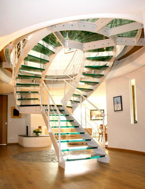 Pingl par rastatine sur escalier d 39 int rieur pinterest - Meuble en forme d escalier ...