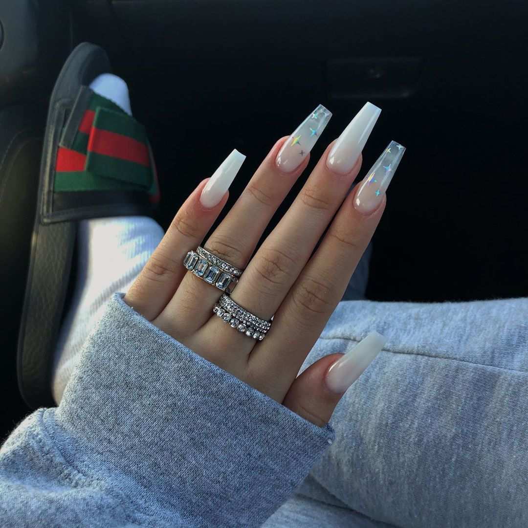 Celest On Instagram Sparkle My First Time Getting White Nails I M Obsessed Nails Coffinails Coffin Nails Designs Best Acrylic Nails Gorgeous Nails