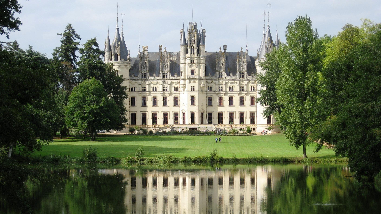 (16:9) Château de Challain-la-Potherie Maine-et-Loire France [2816 x 1584]
