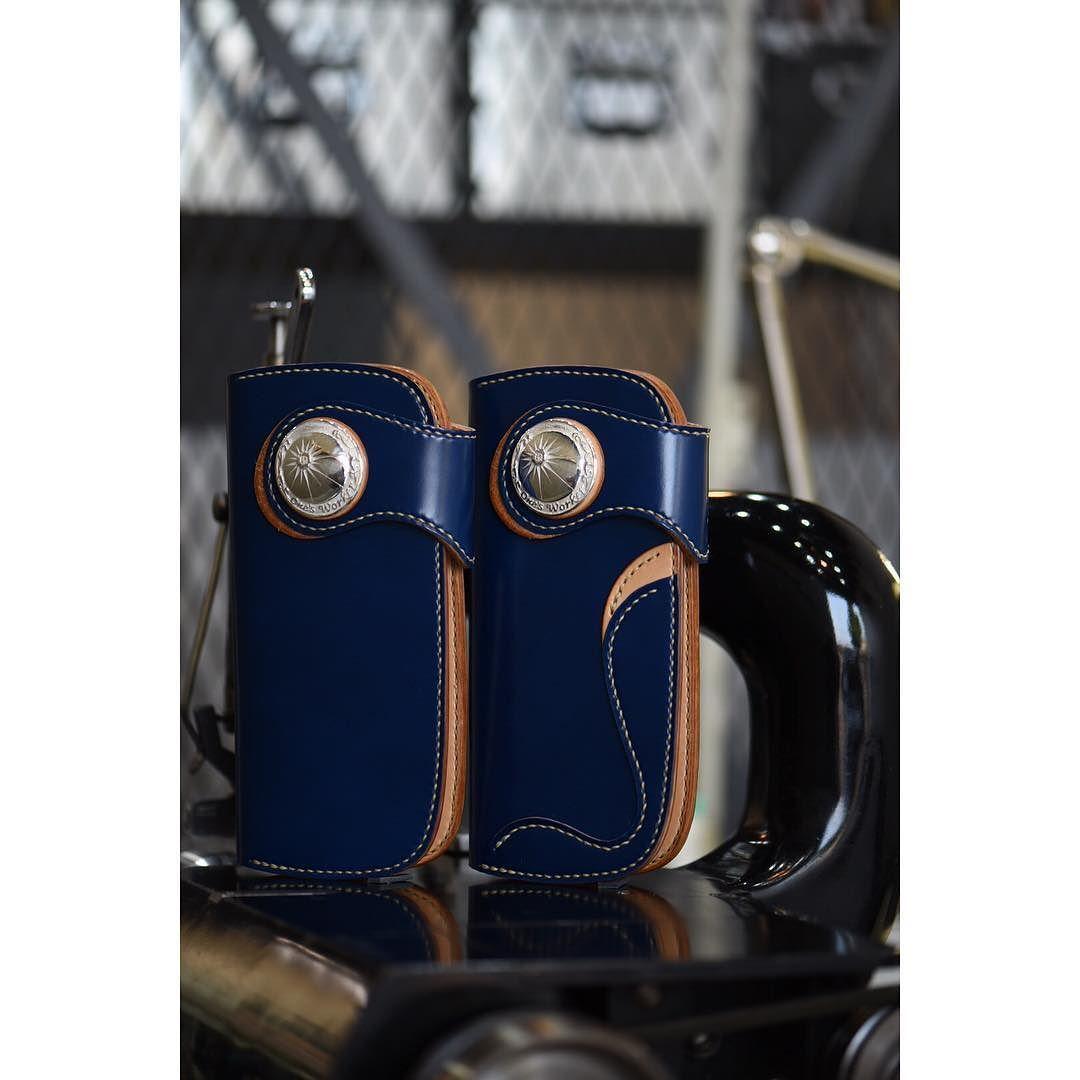 #leathercraft  ##bluecordovan #leathergoods  #handmade  #bikerstyle  #touring #silverconcho  #concho  #cordovan #cordovanleather  #cordovanwallet #midnightblue #handsewn  #onesworker #コンチョ #コードバン #ミッドナイトブルー  #ロングウォレット  #ハンドメイド  #手縫い #革財布  #革細工 by onesworker #tailrs