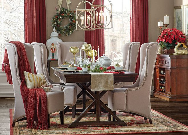 Traditional dining room, christmas decor   Dining room ...