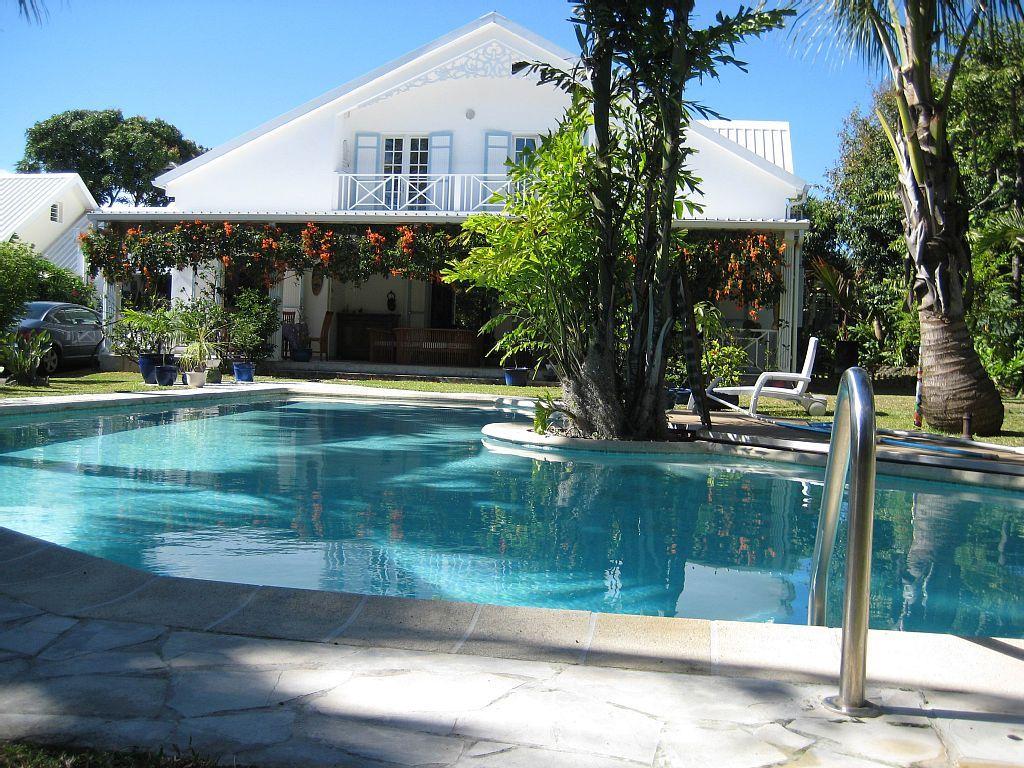 Abritel location vacances villa st andr la maison du fond du jardin villa sur deux niveaux - Une maison un jardin saez saint paul ...