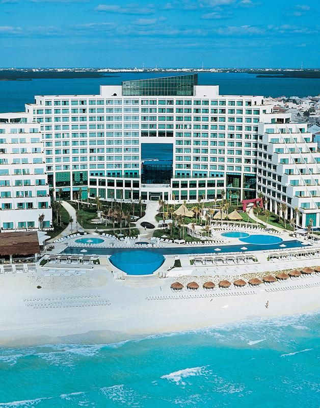 Where To Stay In Cancun Best Hostels Hotels In Cancun 2021 Road Affair Cancun Hotels Cancun Mexico Travel