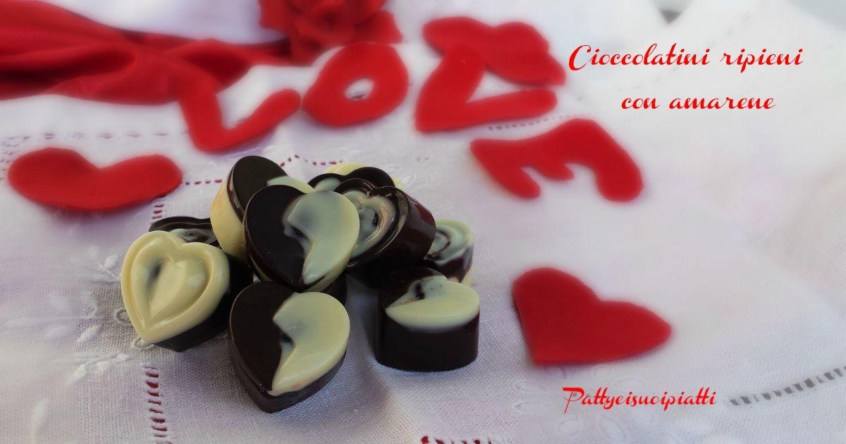 Cioccolatini ripieni con amarene sciroppate - cuori di ...